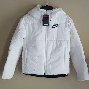 Nike Jackets & Coats - NWT Nike Women's Heavyweight White Puffer Jacket